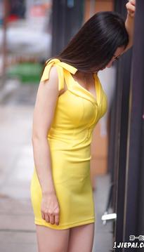你一定最爱黄黄的小姐姐
