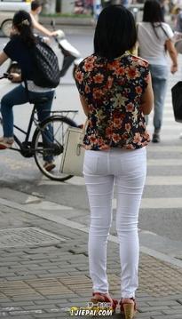 白裤美眉 17P