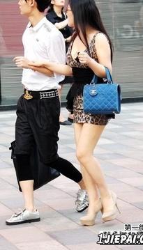 极品 巨乳女生和时髦男