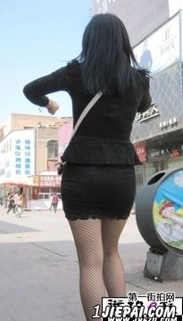 豹纹包臀_精品街拍美女图片 - 第一街拍网