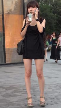 抓拍婉风流转的超短裙热裤丝袜美腿美女[vd1.01-SM95]
