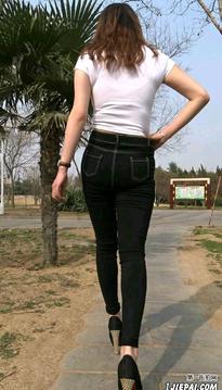牛仔裤美女