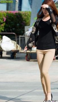 街拍黑上衣紧身裤时髦靓女 9P