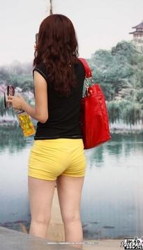 黄色紧热裤内痕清晰19P