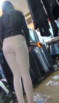 一个清水芙蓉的裹臀裙牛仔热裤翘臀靓女[SP-PF91]