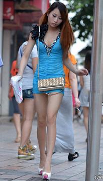 街拍超短包臀裙美女,这腿,无敌了