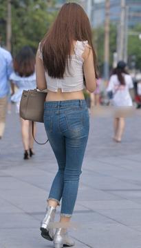 街拍低腰牛仔裤美女高挑身材XZ102VB