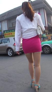 一个惊鸿绝艳的包臀裙牛仔紧身裤翘臀女生[vd1.01-TO07]
